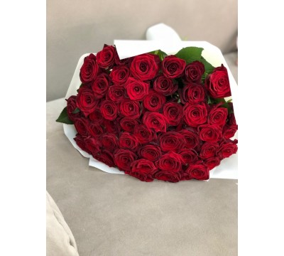 Букет красных роз 25шт