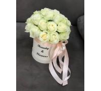 Коробка белые розы